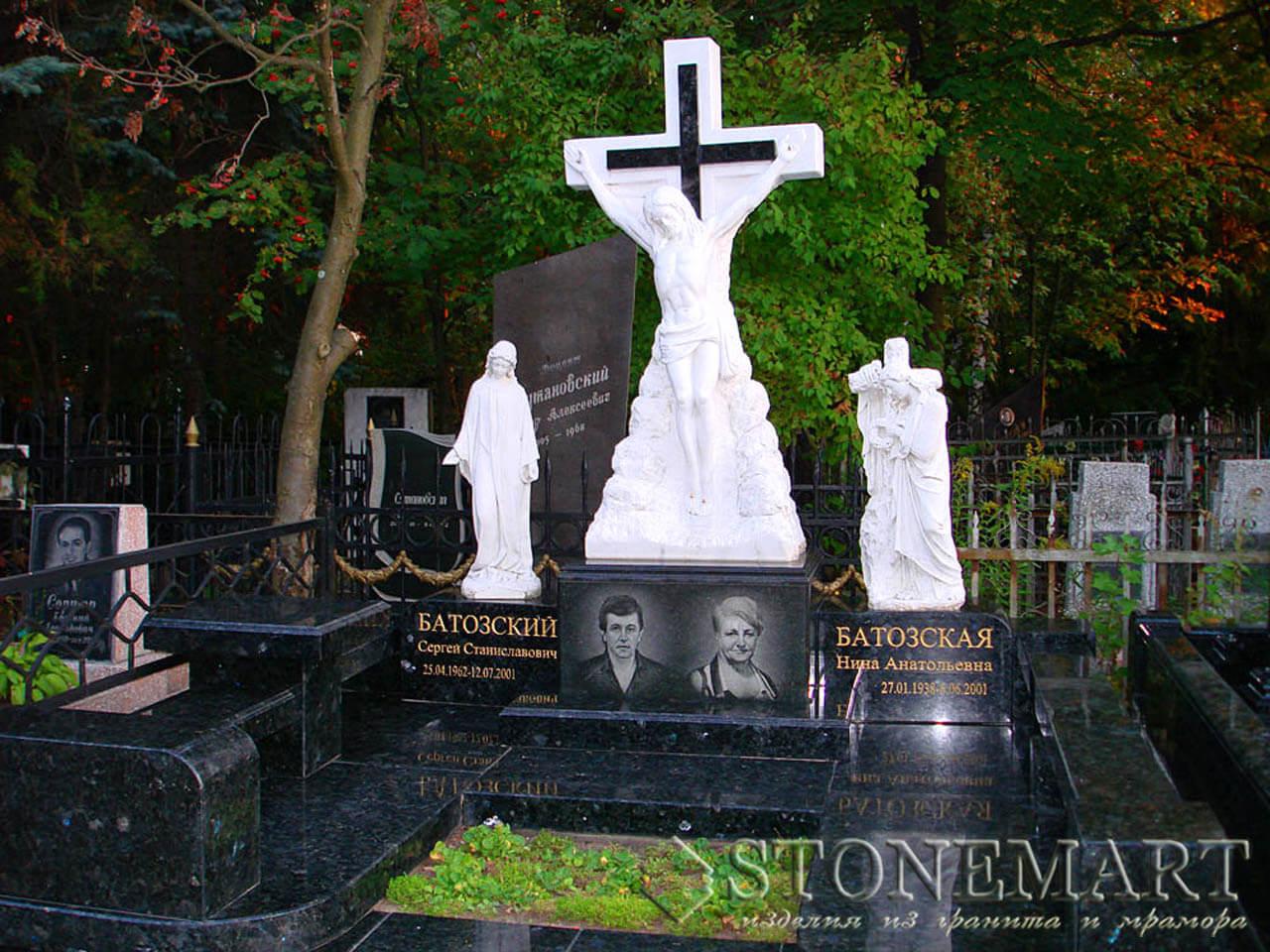 Мемориал со скульптурами №16