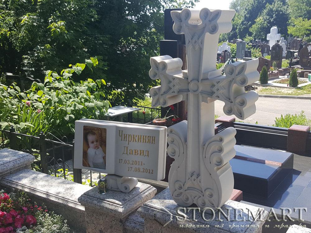 Памятник из мрамора №21