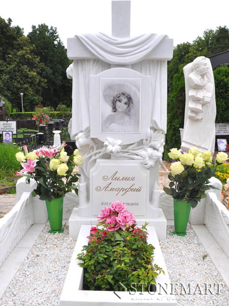 Памятник из мрамора №22