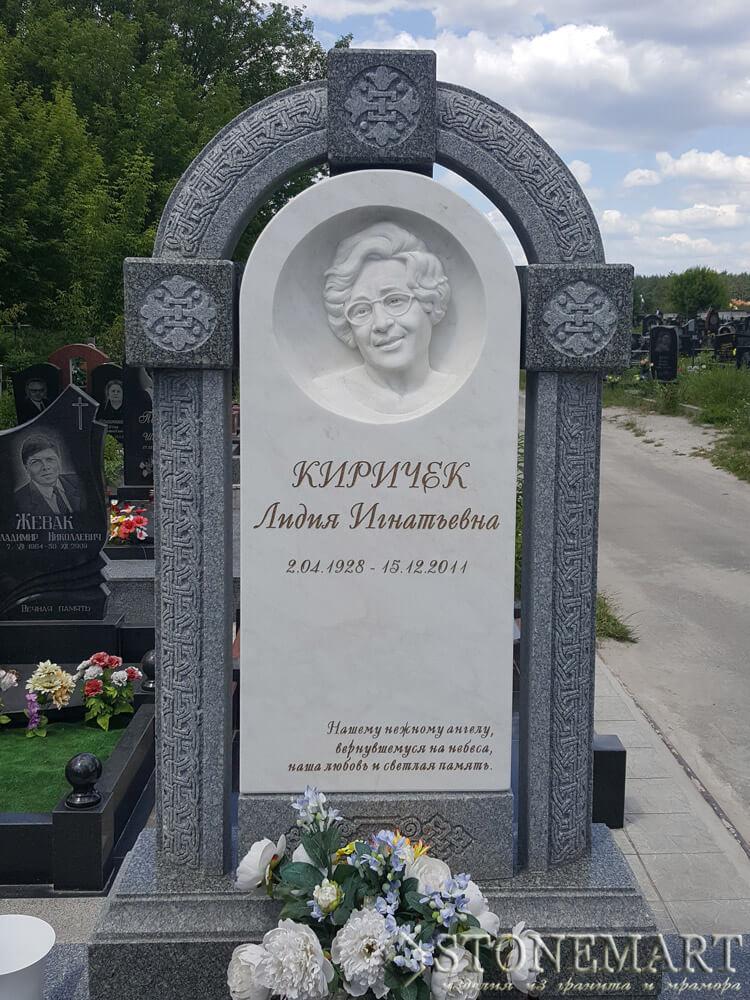 Памятник из мрамора №28