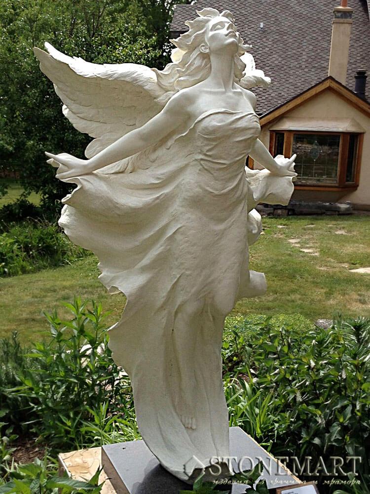 25. Скульптура: Ангел вознесения