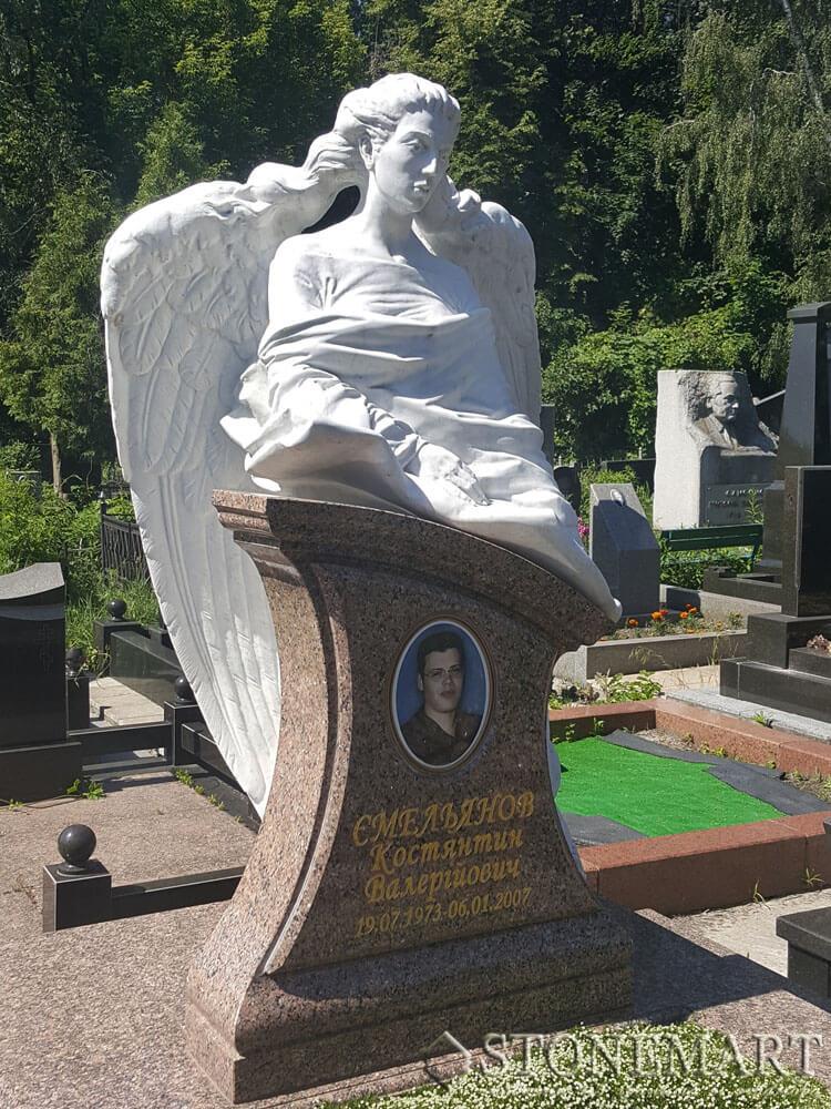Памятник из мрамора №26