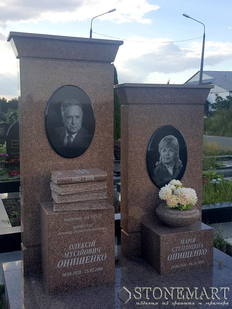Эксклюзивные памятники из гранита №30