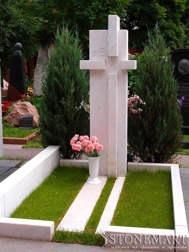 Памятник из мрамора №33