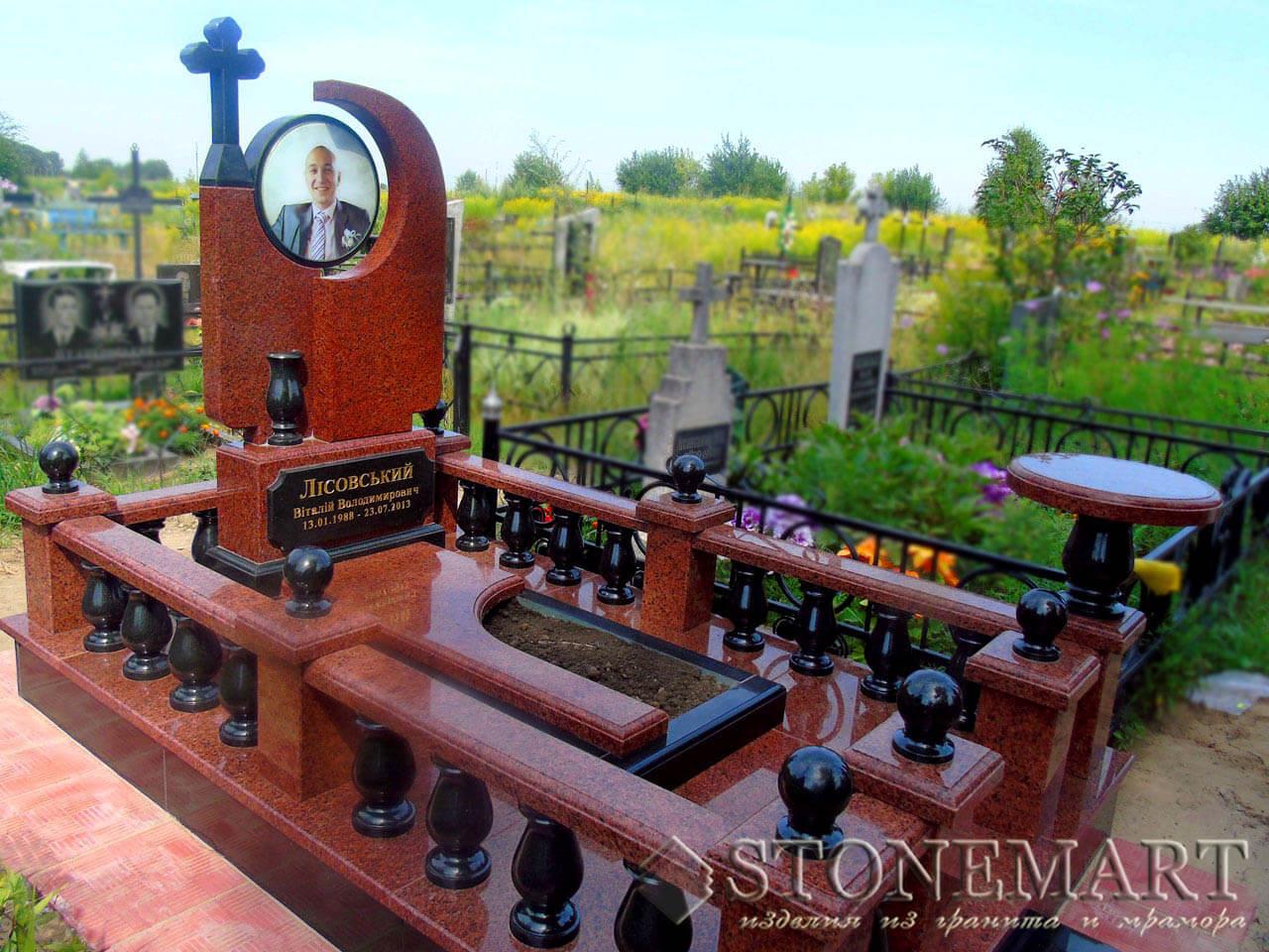 Мемориальный комплекс из красного гранита №59