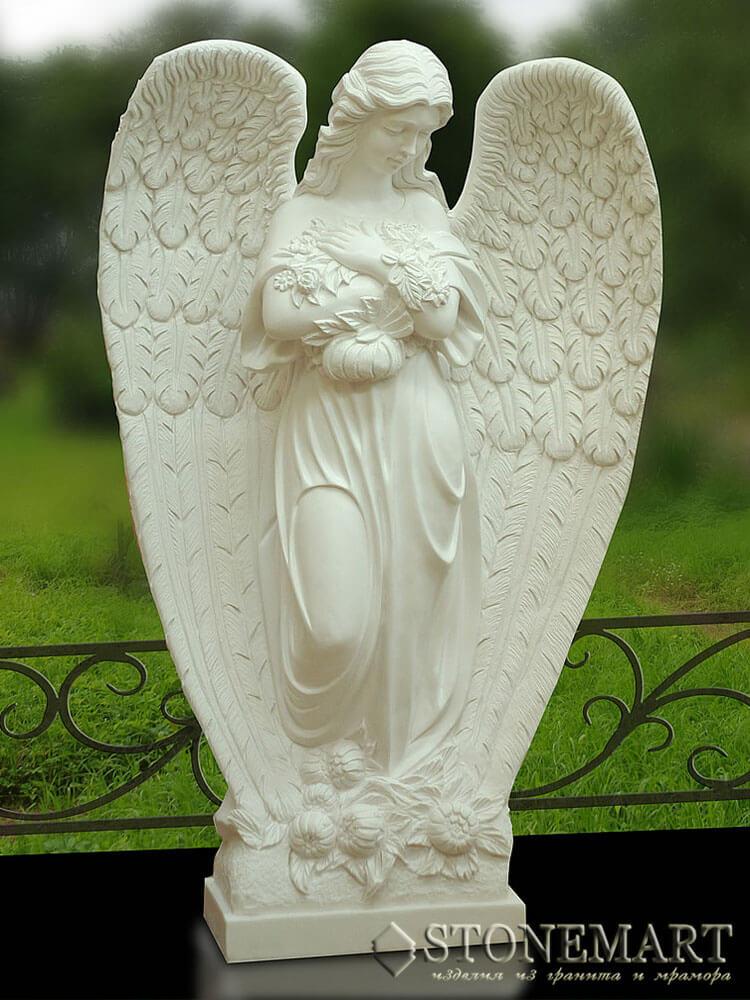 60. Скульптура из белого мрамора