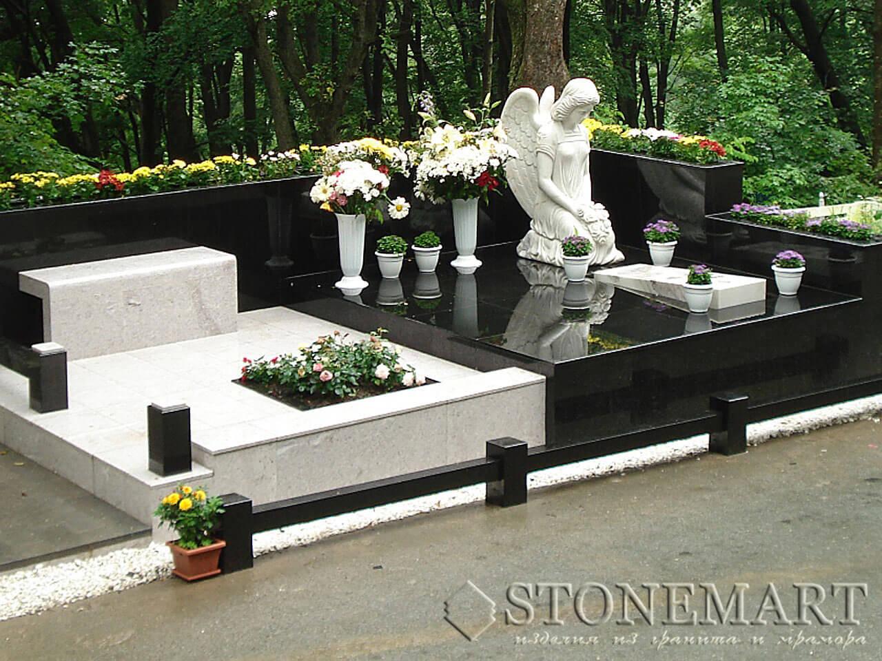 Мемориальный комплекс со скульптурой №74