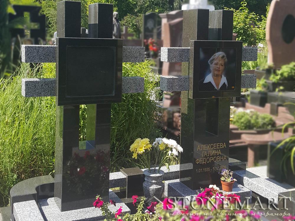 Памятник в виде креста №86
