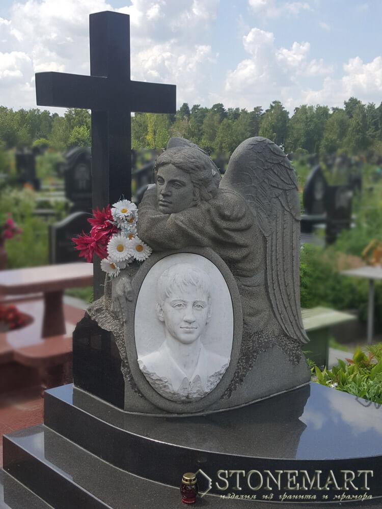 86. Скульптура: Задумчивый ангел