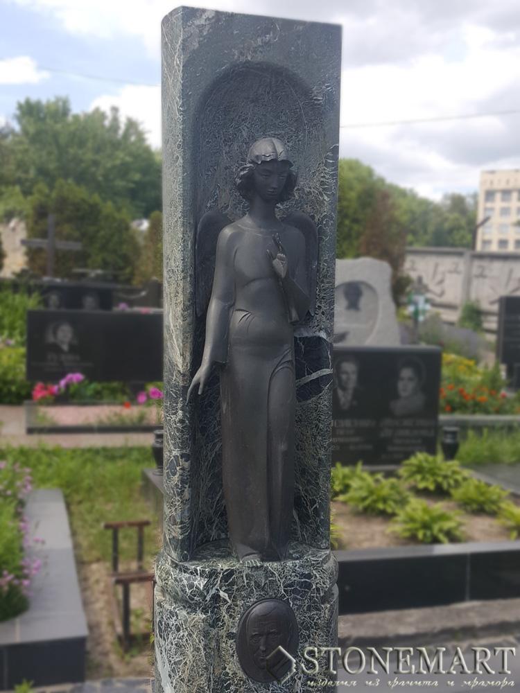 27. Памятник скульптура из гранита