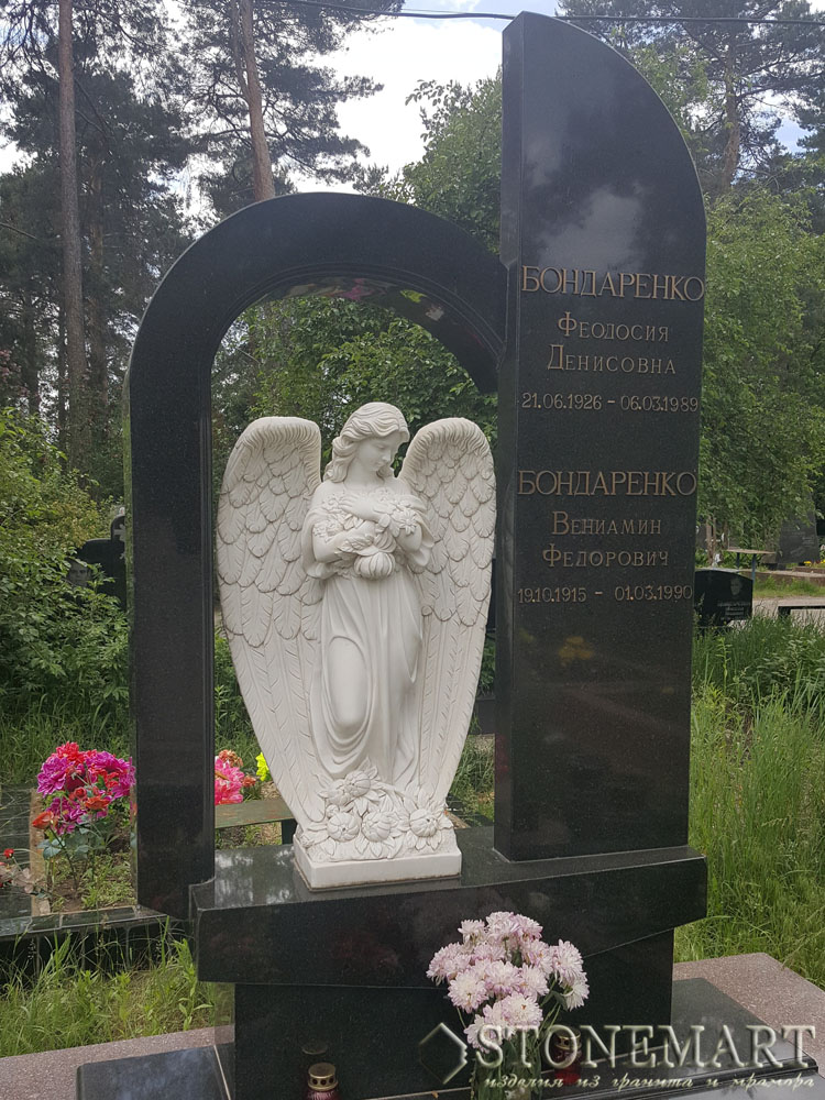 Памятник с ангелом №14. Камень: гранит, мрамор.