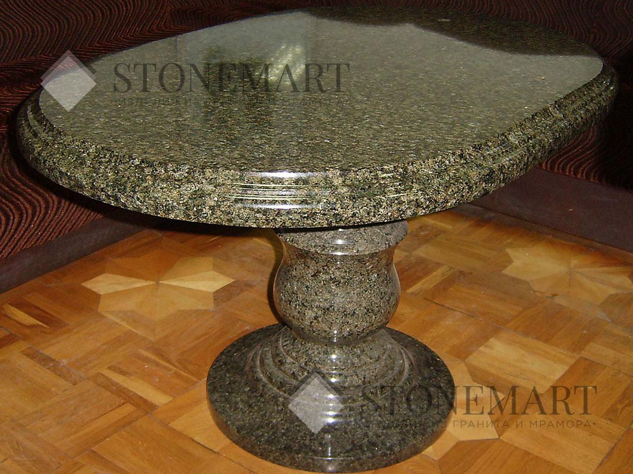 Стол с фигурной фаской. Камень маславского месторождения (Украина).
