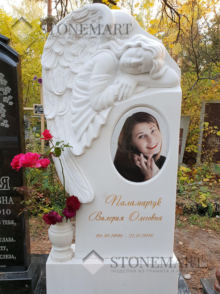 Памятник из мрамора №32