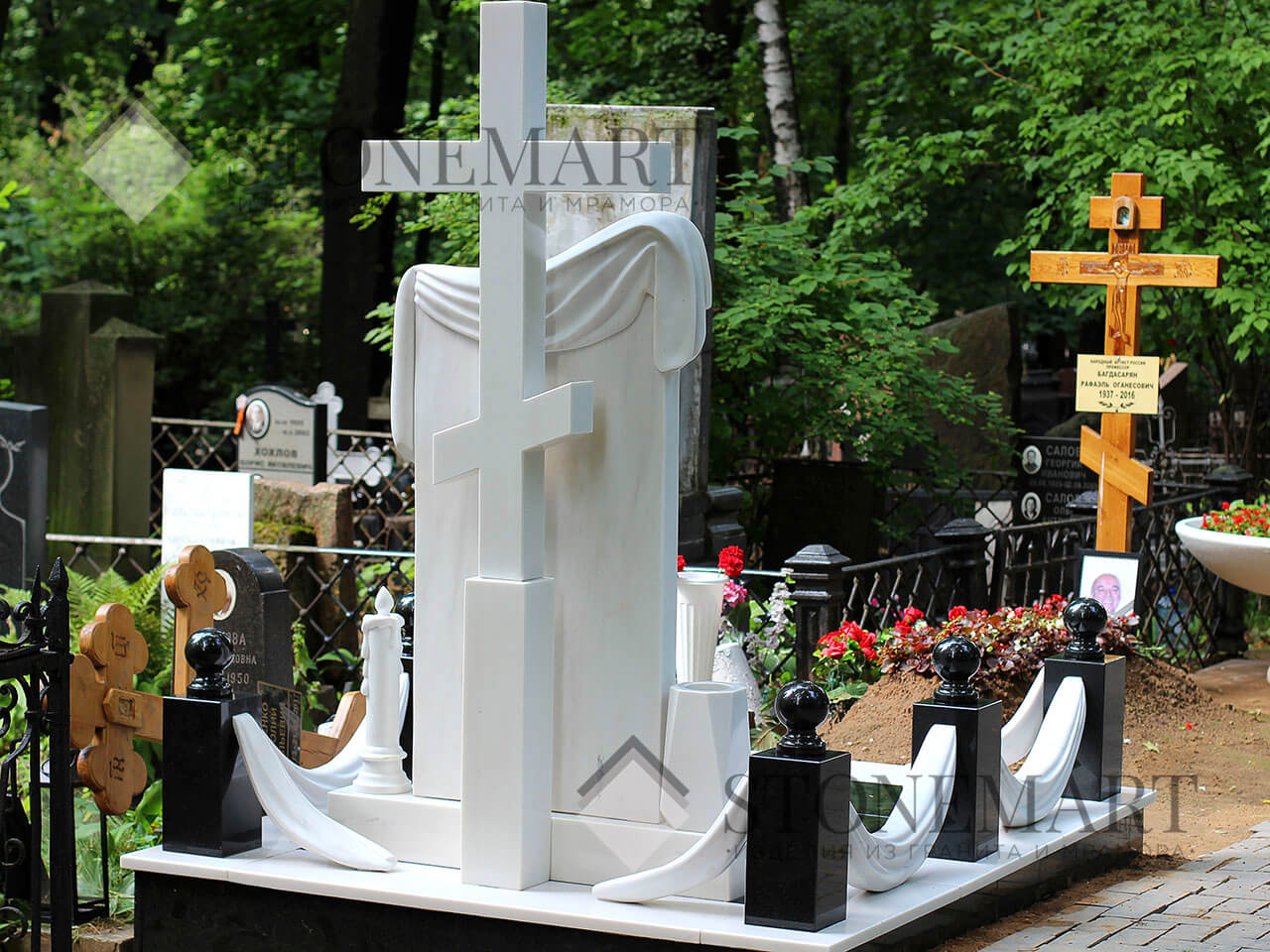 Памятник из мрамора №7