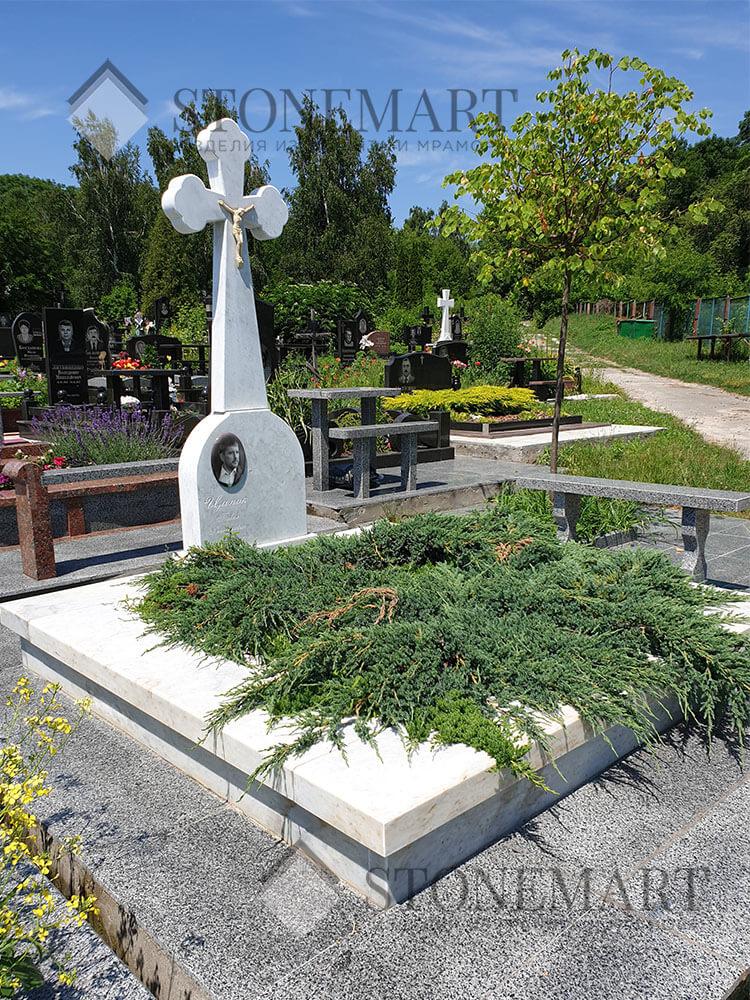 Памятник из мрамора №58